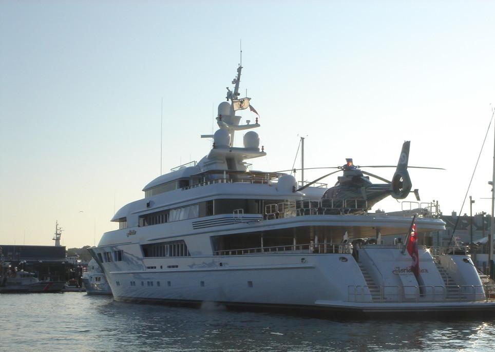 Yachts 250' LOA